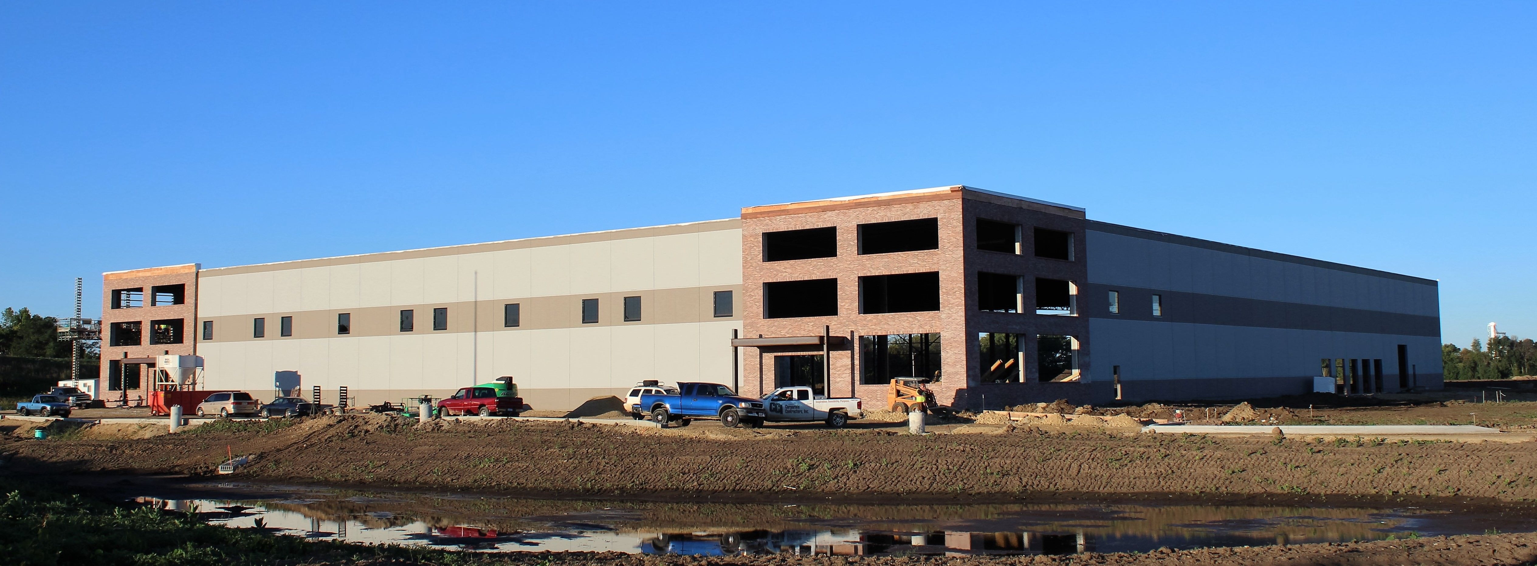 Cci constructs toledo molding and die plant corporate for Building a spec house