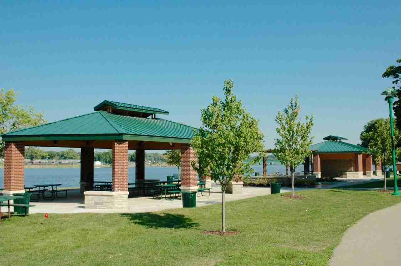 Riverside-Park-Pavillions